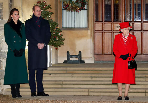 Тур завершен: Кейт Миддлтон и принц Уильям воссоединились с Елизаветой II и принцем Чарльзом в Виндзоре
