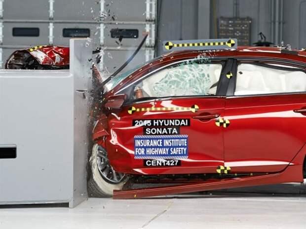Hyundai Sonata справилась с краш-тестом на удар с малым перекрытием