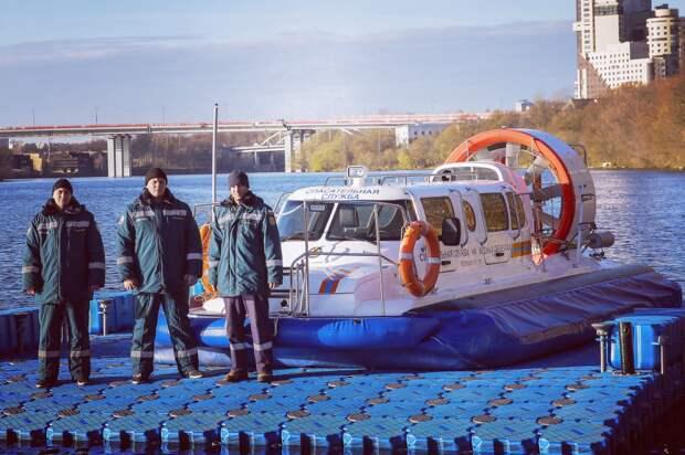 На  станции «Карамышево» спасатели на воде уберегли от гибели шестьдесят человек