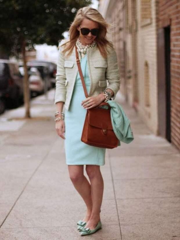 Какой цвет одежды молодит женщин за 50