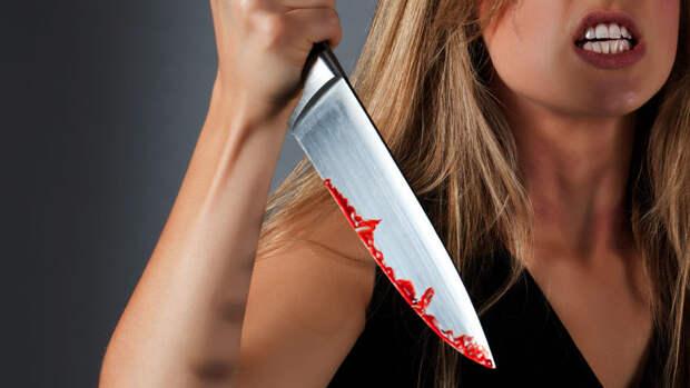 В Казани 24-летняя девушка перерезала горло своей подруге во время ссоры