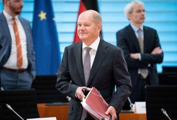 Министр финансов Германии Олаф Шольц на ежедневной встрече кабинета в Берлине, Германия, 23 сентября 2020 года. Kay Nietfeld/Pool via REUTERS
