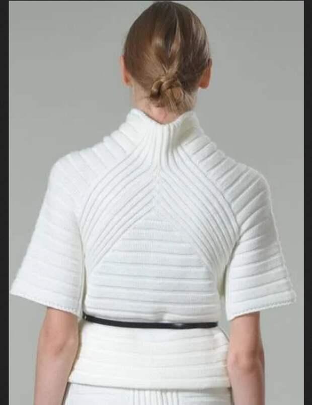 Необычные вязаные свитера и юбки