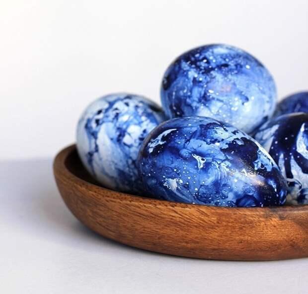 1. С помощью лака для ногтей пасха, праздник, украшение яиц, яйца