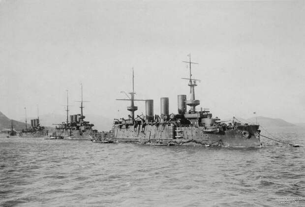 """Бронепалубная молния. Крейсер II ранга """"Новик"""". Под командованием В.К. Витгефта"""