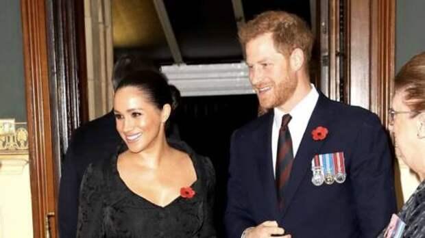 Меган Маркл изначально была «враждебно настроена» против королевской семьи, утверждает эксперт