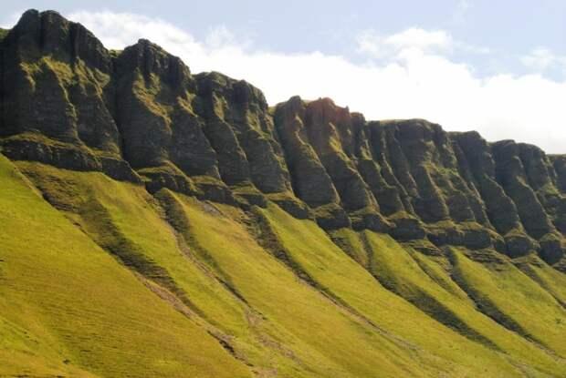 BenBulben03 Бен Балбен — удивительно живописная гора в графстве Слайго