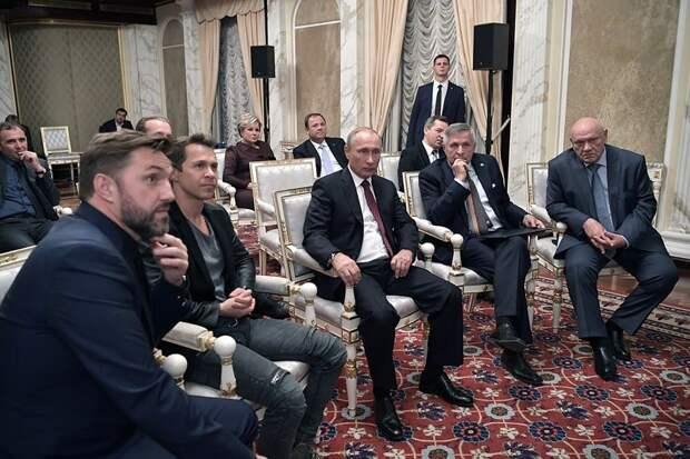 Спор на полмиллиона, встреча с Путиным и другие факты о Павле Деревянко