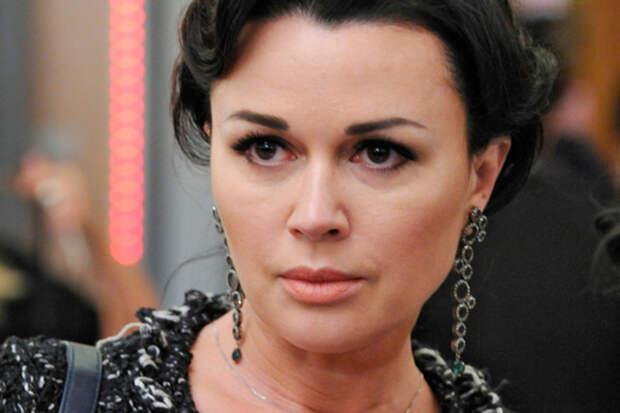Семья Анастасии Заворотнюк опровергла информацию о лечении актрисы