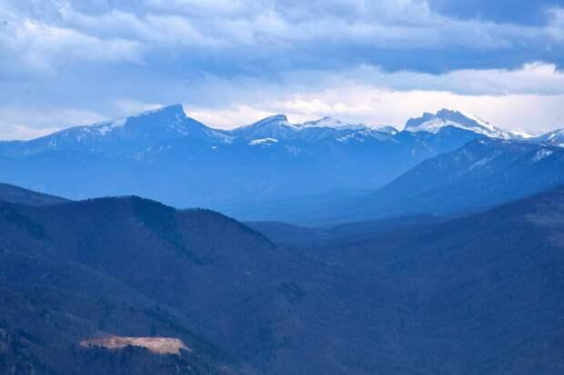 Вид на горы Тхач, Ачежбок