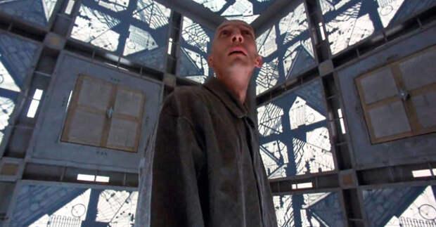 """актер Джулиан Ричингс (Алдерсон) - кадр из фильма """"Куб"""""""