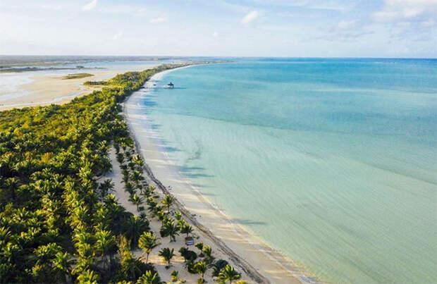 Ким Кардашьян арендовала остров для вечеринки в честь своего 40-летия