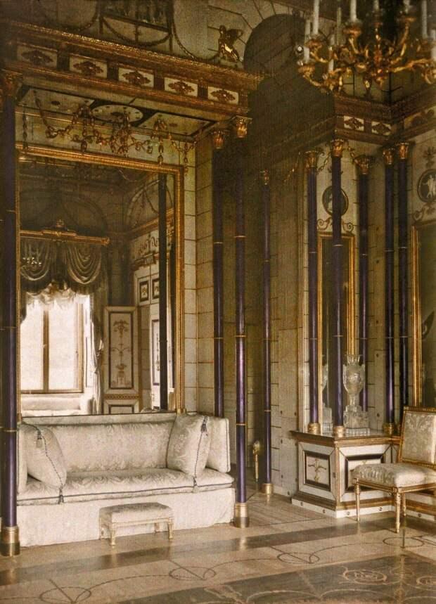 Опочивальня Екатерины II в Екатерининском дворце.