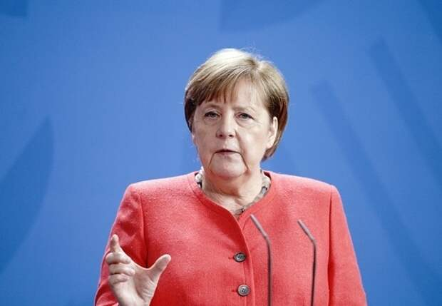 В ГД объяснили призыв Меркель задуматься о мире без лидерства США