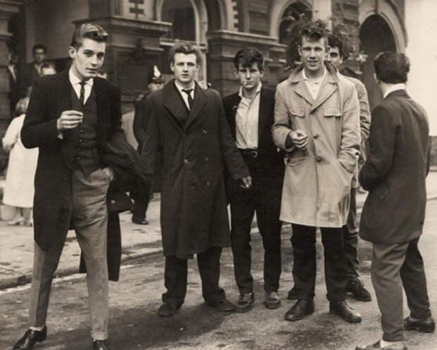 Стильные «пацанки» Тедди-герлз:  Чем прославилась забытая британская субкультура