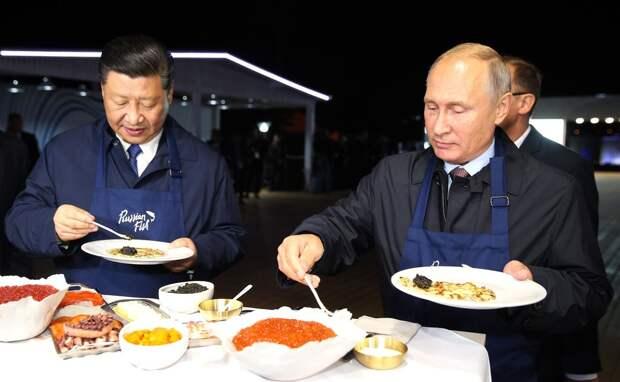 Россияне назвали 4 страны, к которым относятся лучше всего