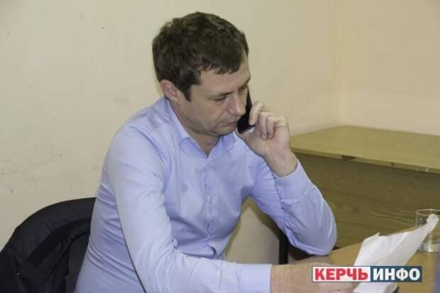 «Попался»: в Керчи начальник УЖКХ работал по поддельному диплому