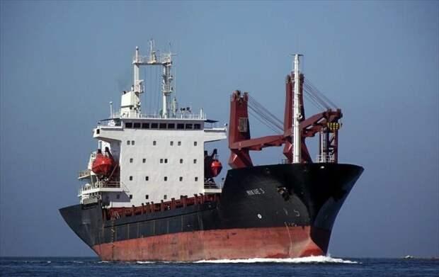 Дерипаска забрал у пиратов пленных моряков из Крыма и Севастополя
