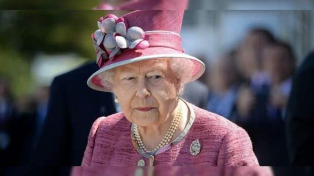 Королева Елизавета получила прививку откоронавируса