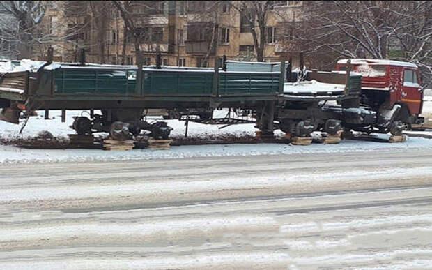 Воры умыкнули все 18 колес с припаркованного грузовика