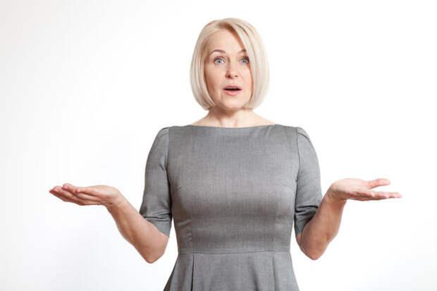 Каждая женщина рано или поздно встает перед серьезным выбором: начать заместительную гормональную терапию или использовать природные средства