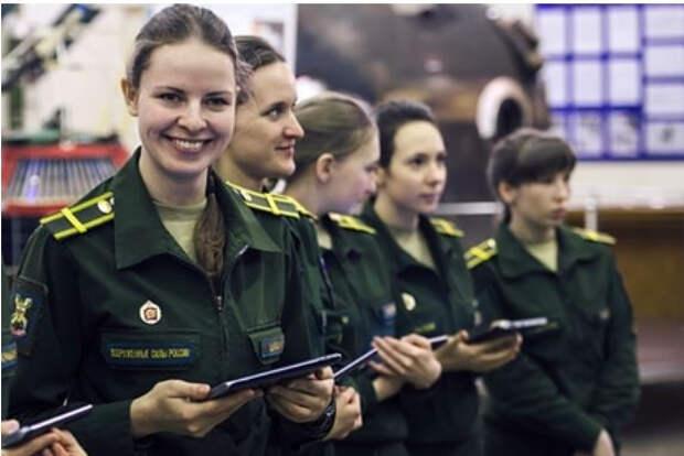 В ВКС России появятся экипажи женщин-летчиц