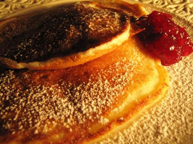 http://picantecooking.com/sites/default/files/content/recipies/2011-02-17_perfect_pancakes/pancakes_2.jpg