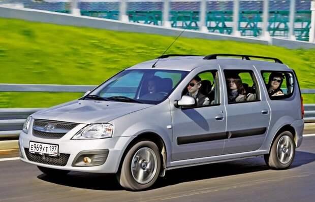 «Тройка» 7-местных автомобилей, которые прослужат долгие годы верой и правдой