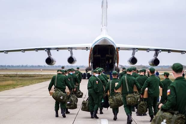 Более 200 крымских призывников улетели служить на материк