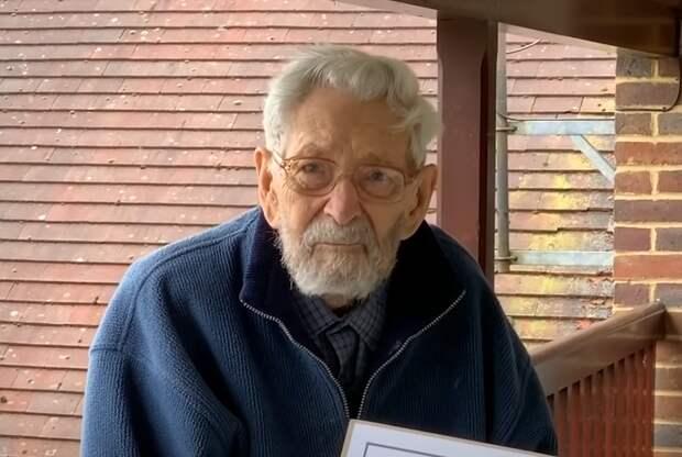 В Британии скончался старейший мужчина на планете