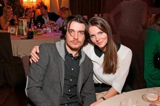 5 звездных пар, в которых муж и жена невероятно похожи друг на друга