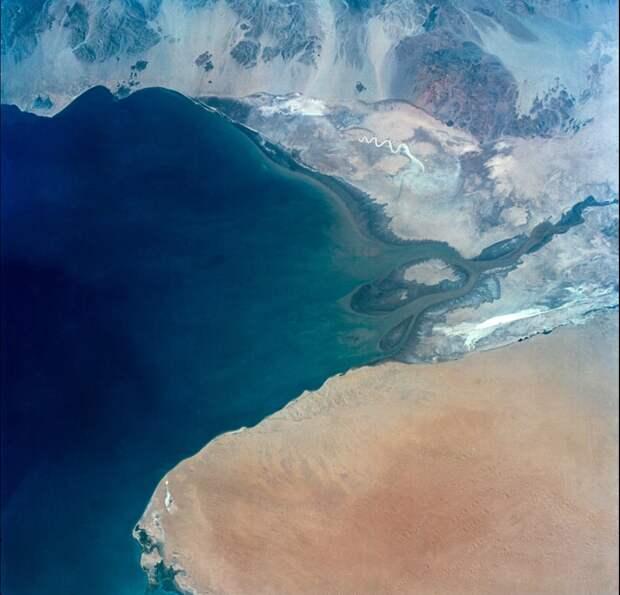 1965. Миссия «Джемини-4». Устье реки Колорадо в заливе Калифорнии 5 июня