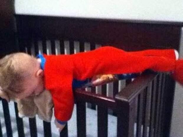 Дети могут уснуть где угодно дети, прикол, сон, фото