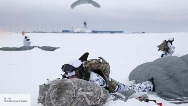 Иностранцы вспомнили Наполеона и Гитлера после десанта ВДВ в Арктике