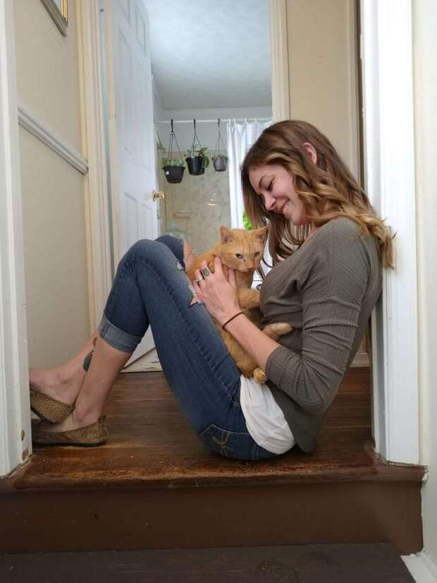 девушка с котом