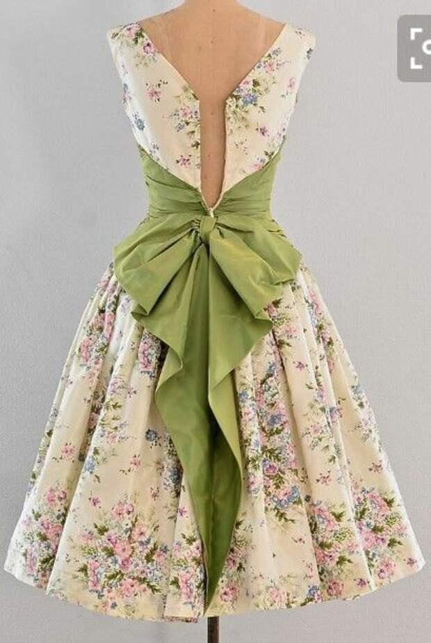 бантики в одежде платья