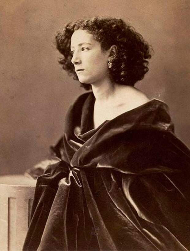 «Божественная Сара», которой восхищался Чехов: Почему актриса виртуозно играла и женщин, и мужчин