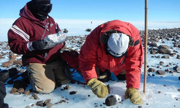 Геологи нашли в Антарктиде остатки метеорита, упавшего 430 тысяч лет назад