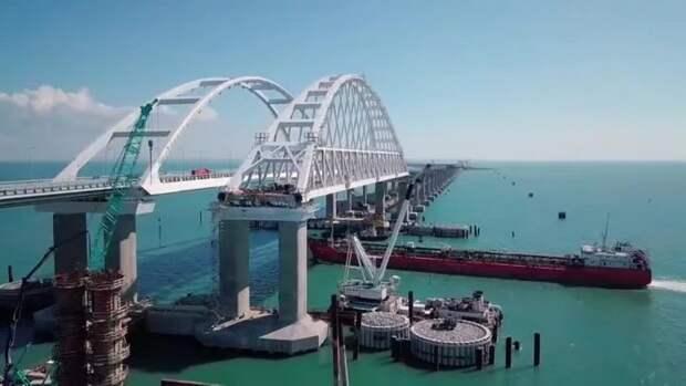 На железнодорожной части крымского моста завершена установка всех пролетов