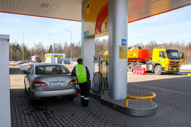 Rosneft_gaz_zapravka