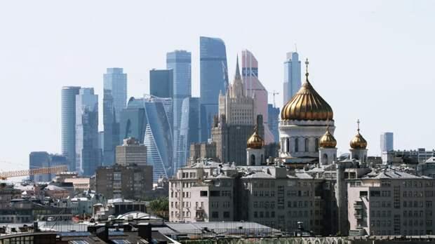 Оборот организаций торговли и услуг в Москве вырос на 28% в марте