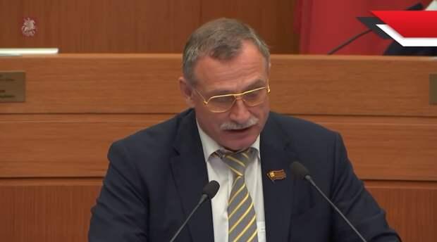 Московская «Единая Россия» бойкотировала голосование за выплаты ветеранам ВОВ, а законопроект фракции КПРФ назвала «оголтелым популизмом»