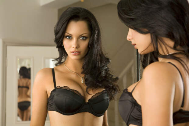 Девушки с красивой грудью (53 фото)