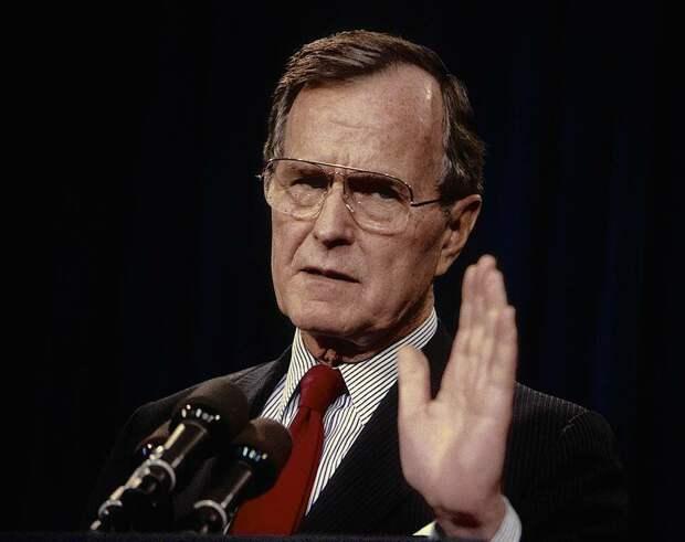 Буш Старший довершил, в 1991-м, начатое Рейганом и Горбачевым. Фото: https://topwar.ru/130520-bush-starshiy-pobil-rekord-dolgozhitelstva-sredi-byvshih-prezidentov.html
