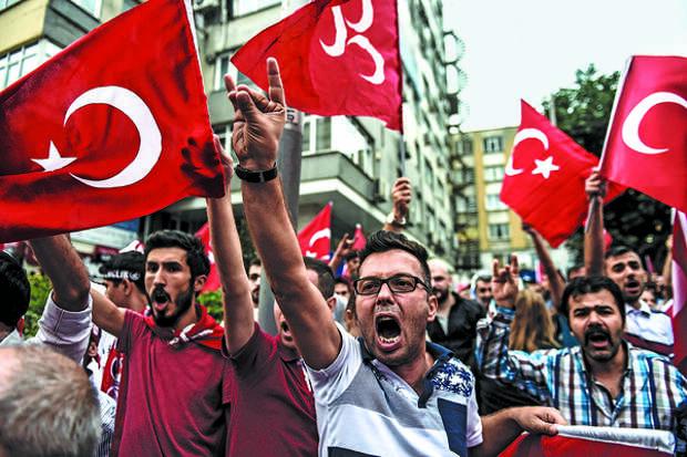 Турки придираются к российским туристам в аэропортах якобы из-за коронавируса