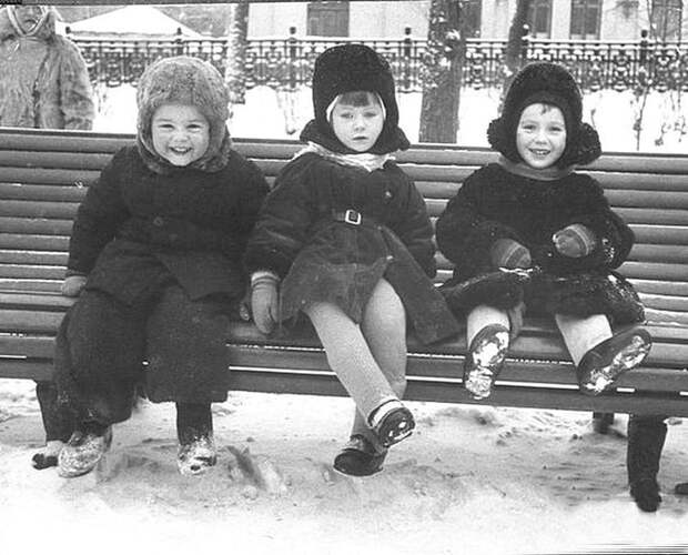 Детсад на прогулке СССР, детство, фотографии
