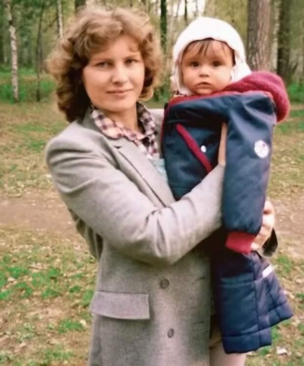 Любовь Полехина с сыном. / Фото: www.russia.tv