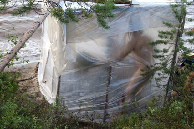 На базе складной печки-буржуйки делаем баню в походных условиях