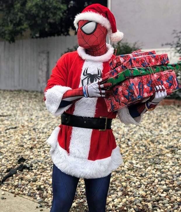На пожертвованные деньги он устраивает детям праздники болезнь, герой, история, костюм, мужчина, помощь, ребенок, человек паук