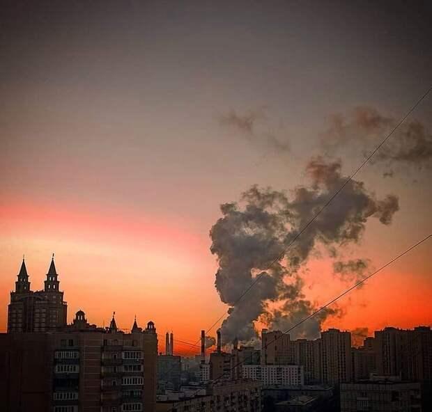 Фото дня: сказочный рассвет в Щукине